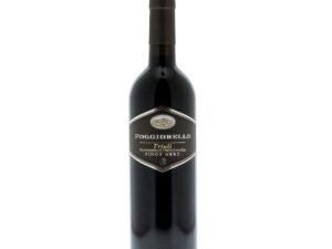 Na białym tle butelka czerwonego wina wytrawnego Pinot Nero DOC