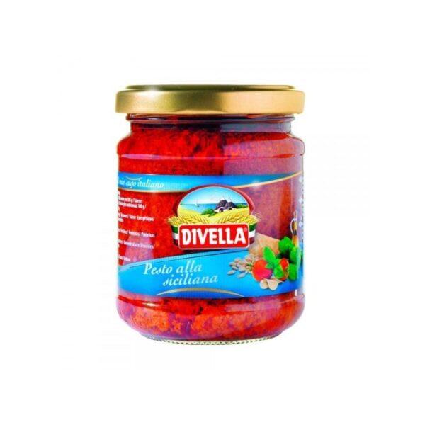 Na białym tle słoik z Sycylijskim pesto: pomidory, bazylia, ser. PESTO ALLA SICILIANA DIVELLA, 190G