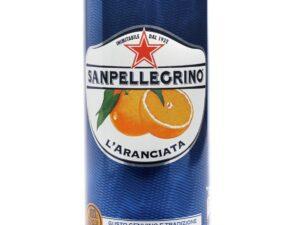 na białym tle Napój Aranciata SanPellegrino w puszce, 330ml